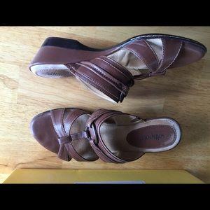 Soft spot brown sandal